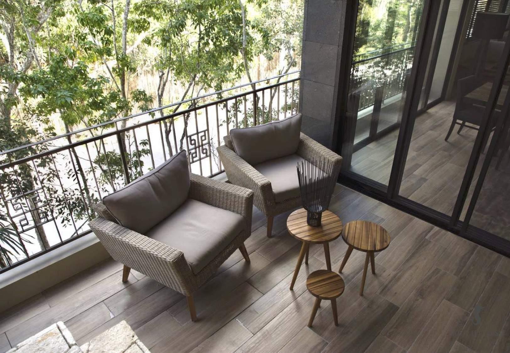 Design Arthouse Outdoor Patio