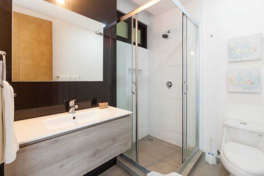 Playadelcarmen-penthouse-for-sale-bathroom