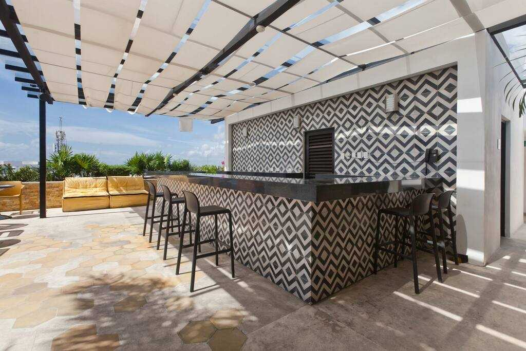 Playadelcarmen-penthouse-for-sale-private-bar