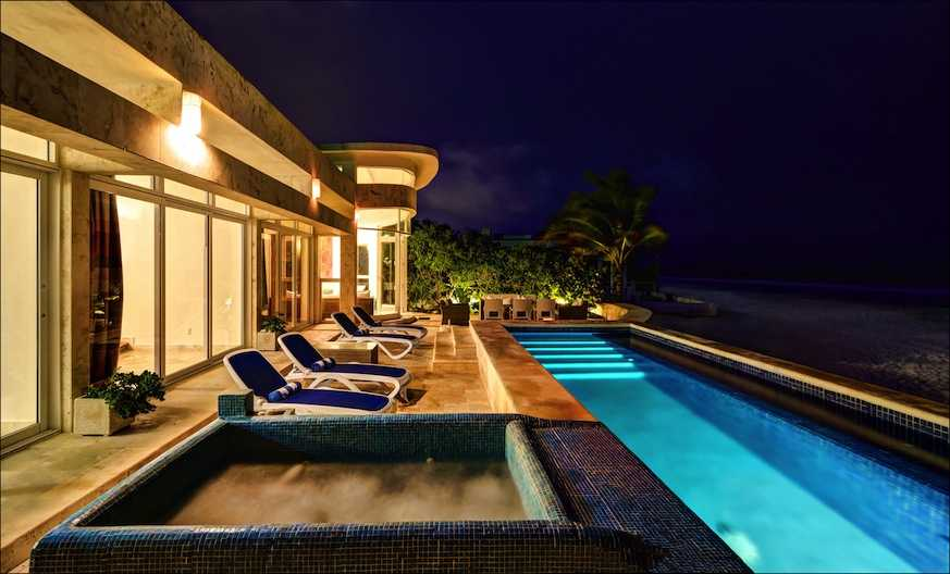 Playacar beachfront house with pool.