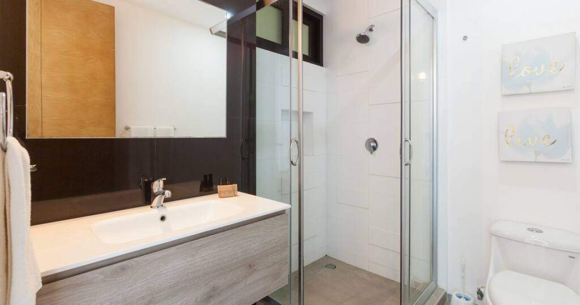 Playadelcarmen-penthouse-for-sale-bathroom
