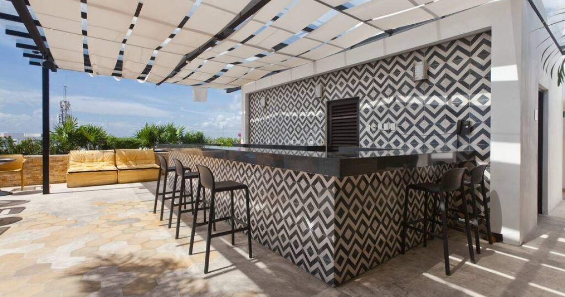 Playadelcarmen-penthouse-for-sale-private-bar