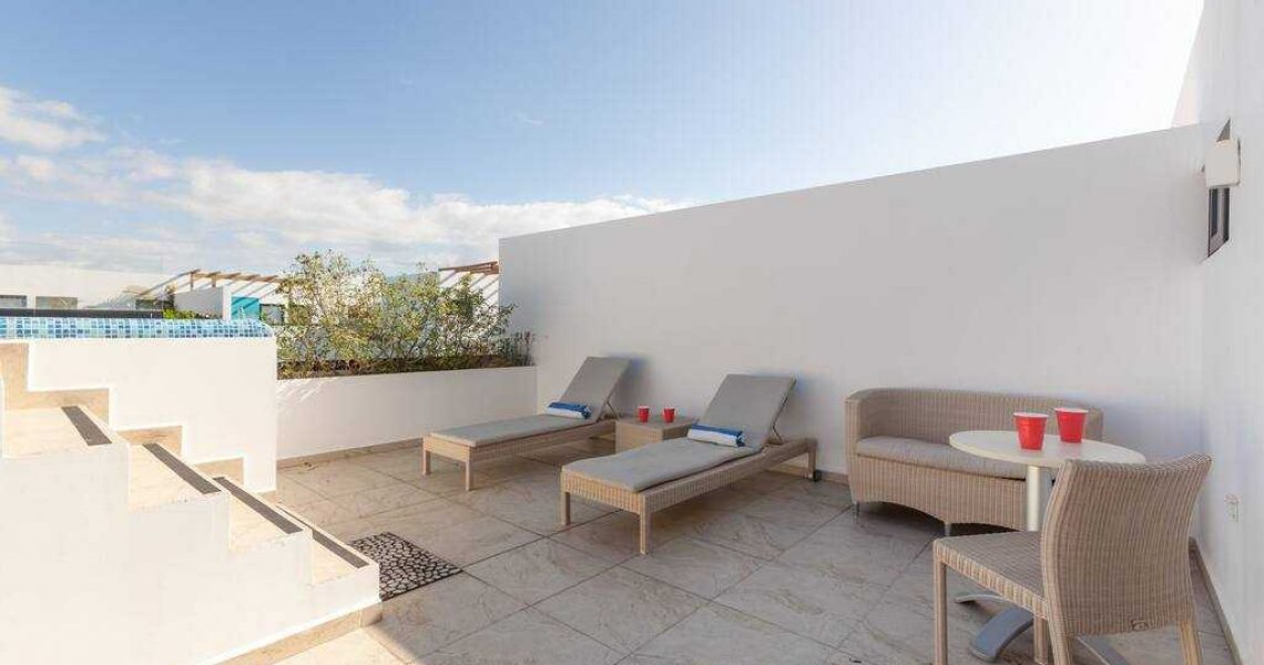 Playadelcarmen-penthouse-for-sale-private-rooftop-lounge